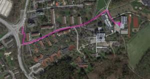Weg von der Haltestelle Egertweg zur Halle